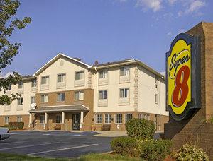 Super 8 Motel - Akron/green/canton Area